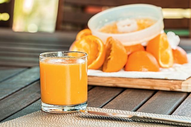 šťáva z pomerančů